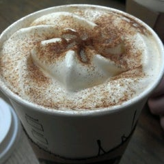 Photo taken at Starbucks by anh pie !. on 4/14/2012