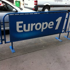Photo taken at Europe 1 by My Duyên T. on 6/27/2012