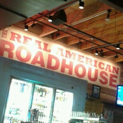 Photo taken at Logan's Roadhouse by Amy A. on 6/6/2013