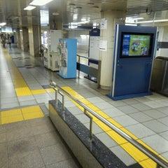 Photo taken at 二重橋前駅 (Nijubashimae Sta.) (C10) by yoshi_rin on 6/23/2013