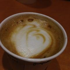 Photo taken at Starbucks by Adolfo S. on 3/9/2013