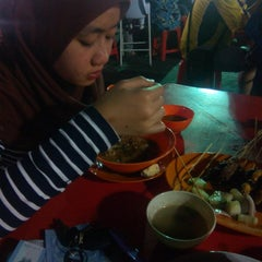 Photo taken at Medan Selera Perhentian Bas Bentayan by Abdul Rashid A. on 11/9/2015