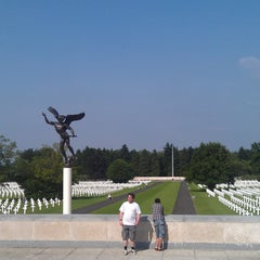Photo taken at Henri-Chapelle American Cemetery and Memorial by Corentin F. on 6/9/2014