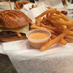 Photo taken at P.S. Burgers by Stefanie B. on 8/26/2014