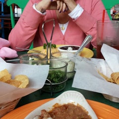 Photo taken at El Callejon Vista by Leti C. on 4/13/2014