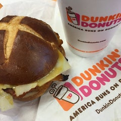 Photo taken at Dunkin Donuts by Jailiny M. on 5/16/2015