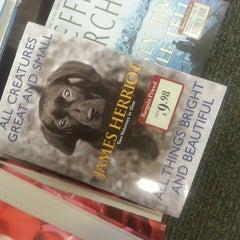 Photo taken at Barnes & Noble by Karen R. on 5/12/2013