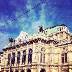 Photo taken at Wiener Staatsoper by Robert-P. P. on 10/15/2012
