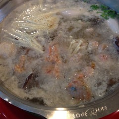 Photo taken at Hot Pot Inter Buffet by KhunMINT G. on 2/1/2014