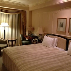 Photo taken at ホテル ザ・マンハッタン(HOTEL THE Manhattan) by nnkoji on 1/19/2013