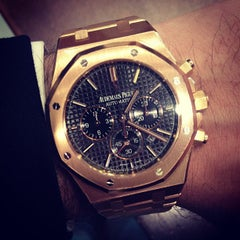 Photo prise au Audemars Piguet Boutique par HODINKEE .. le5/13/2013