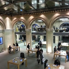 Photo taken at Apple Store by Srini S. on 1/30/2013