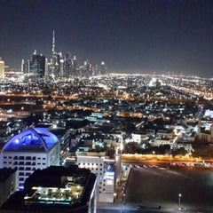 Photo taken at Majestic Hotel Dubai Rooftop Pool by Olesya ✨. on 11/17/2013