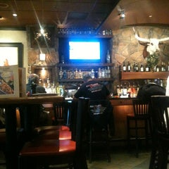 Photo taken at LongHorn Steakhouse by Michael D. on 11/30/2012