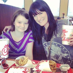 Photo taken at Chick-fil-A by Rebecca R. on 4/15/2013