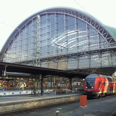 Photo taken at Frankfurt (Main) Hauptbahnhof by Nils P. on 4/7/2013