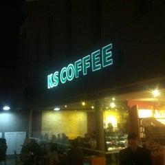 Photo taken at Starbucks by PH S. on 4/28/2013