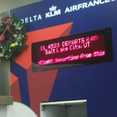 Photo taken at Gate 47 by Elfowo :. on 12/22/2012