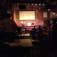 Photo taken at Austin Ale House by Destiny Y. on 5/15/2013
