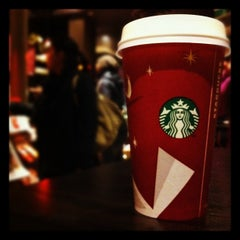 Photo taken at Starbucks by Kanz E. on 12/9/2012