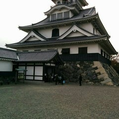 Photo taken at 長浜城 (長浜城歴史博物館) by yamasaki s. on 11/1/2015