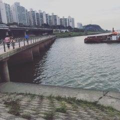 Photo taken at 안양천 합수부 by jin l. on 9/5/2015
