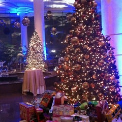 Photo taken at Pan Pacific Hotel by Paulywood on 12/1/2012