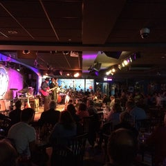 Photo taken at Buddy Guy's Legends by Arturo S. on 8/7/2014