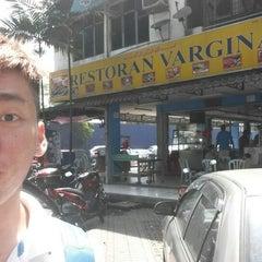 Photo taken at Restoran Vargina, Bandar Baru Sentul by Chiaki C. on 5/15/2014