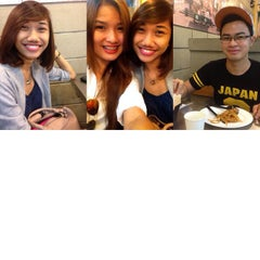 Photo taken at Yellow Cab Pizza Co. by Nika L. on 9/18/2014