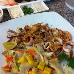 Photo taken at Mr. Sushi Udonthani by OJUNG on 9/12/2013