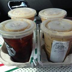 Photo taken at Starbucks by Jobina 🍹 N. on 9/2/2013