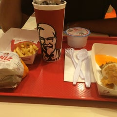 Photo taken at KFC (เคเอฟซี) by 'FON on 8/22/2015
