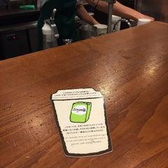 Photo taken at Starbucks Coffee なんば南海通店 by Roderick K. on 9/24/2015