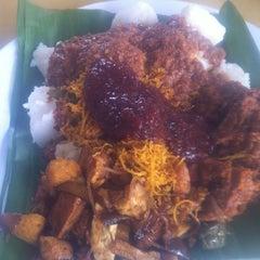 Photo taken at Mr. Nasi Ambang by Jasmin M. on 10/14/2012