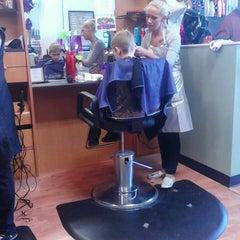 Photo taken at Fantastic Sams Hair Salons by Telissa T. on 3/28/2013