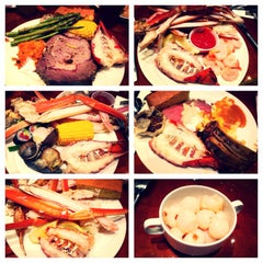 Photo taken at The Buffet @ Valley View Casino by Lawrence W. on 6/3/2014