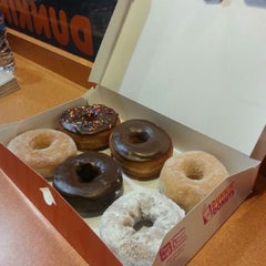 Photo taken at Dunkin' Donuts by @fearruda on 1/1/2013