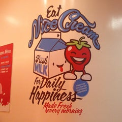 Photo taken at N'ice Cream At The Market by Stefanie C. on 5/2/2013