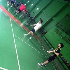 Photo taken at สนามแบดมินตัน The 18 Court by Berclub Place C. on 4/21/2015