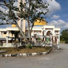 Photo taken at Masjid Sepang by Syaharul A. on 6/13/2013
