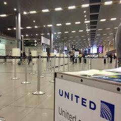 Photo taken at Aeropuerto Internacional El Dorado (BOG) by Carlos H. on 8/24/2013