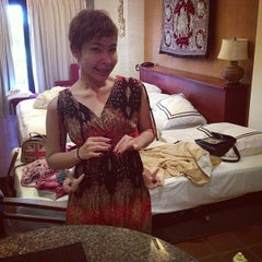 Photo taken at Nirvana Boutique Suite by Ming M. on 5/2/2013