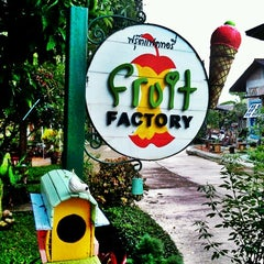 Photo taken at Fruit Factory (ฟรุ๊ตแฟคทอรี่) by krishana w. on 11/17/2012