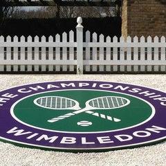 Das Foto wurde bei The All England Lawn Tennis Club von Prashant G. am 4/6/2013 aufgenommen