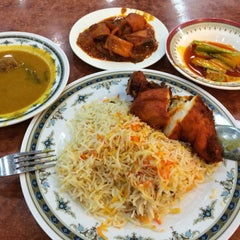 Photo taken at Restoran Ismail by Clarence C. on 9/1/2015