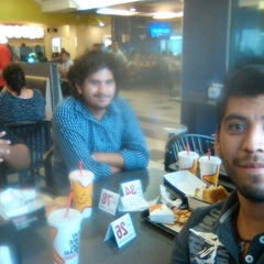 Photo taken at Carl's Jr. by Cesar G. on 9/12/2014