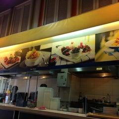 Photo taken at Zam Zam Restaurant by Mohd Faizal M. on 4/21/2013