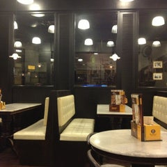 Photo taken at OldTown White Coffee by Sam L. on 7/8/2013