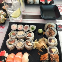 Photo taken at Sushi Drive by Márcia B. on 6/7/2013